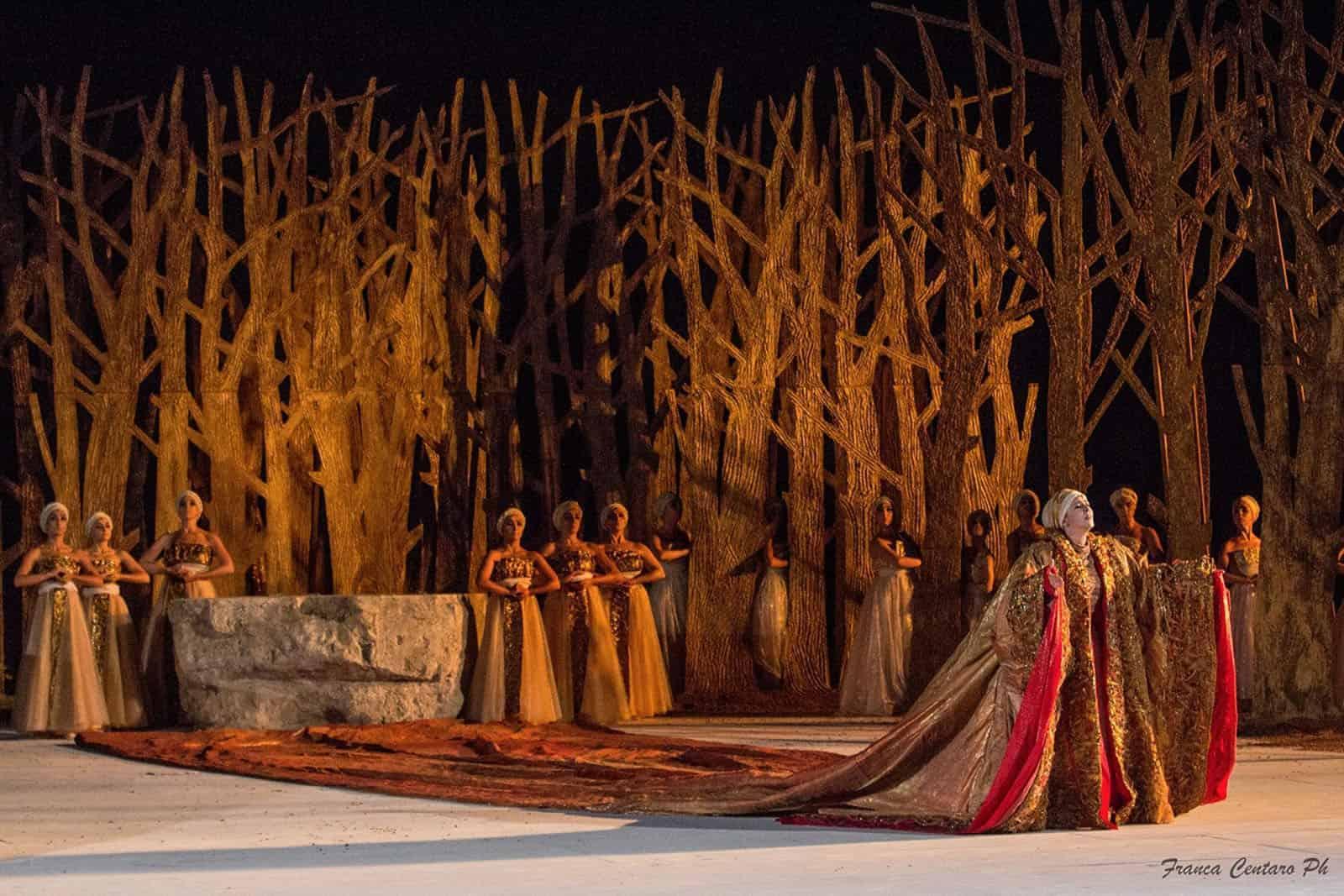 Fedra teatro stabile napoli for Emmerre arredamenti ostia antica orari