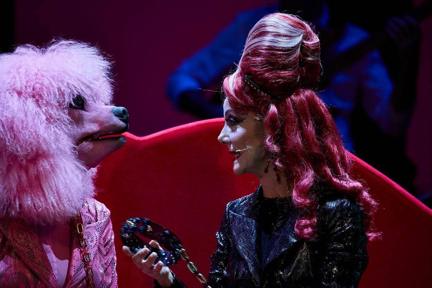 Gaia Aprea e Flo in Madame Pink regia Alfredo Arias foto Giovanni Ambrosio