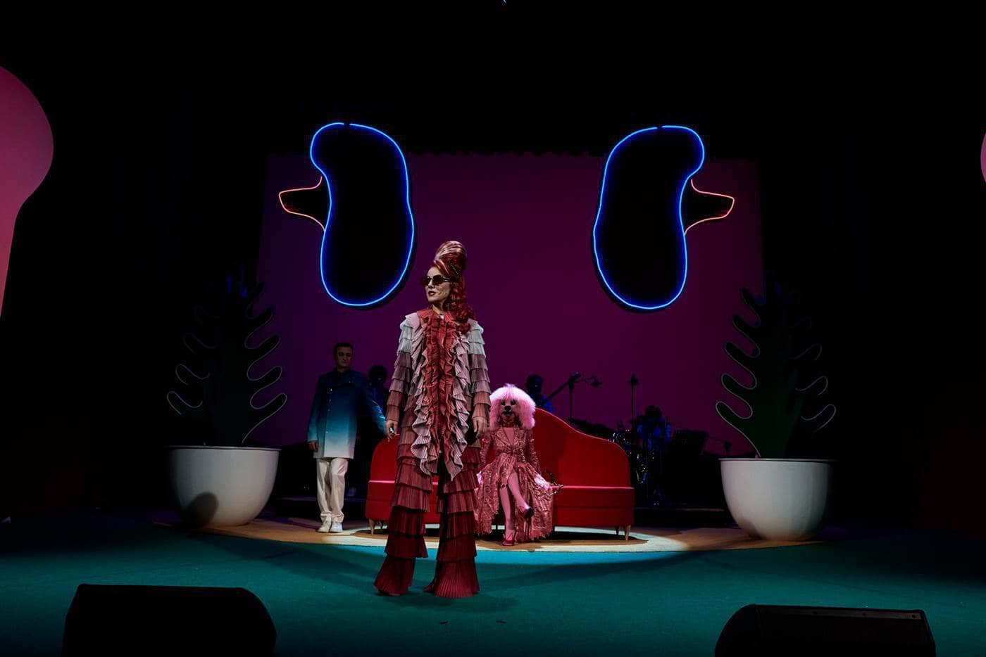 Gaia Aprea in Madame Pink regia Alfredo Arias foto Giovanni Ambrosio
